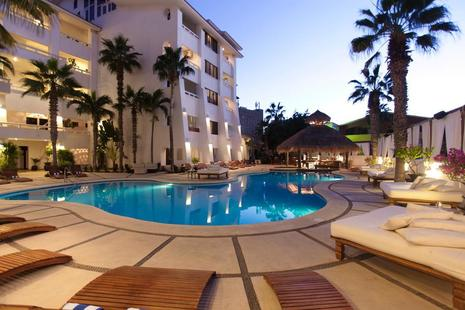 """Bahia Hotel & Beach House Takes Service and Operations from 'Great to Excellent' """
